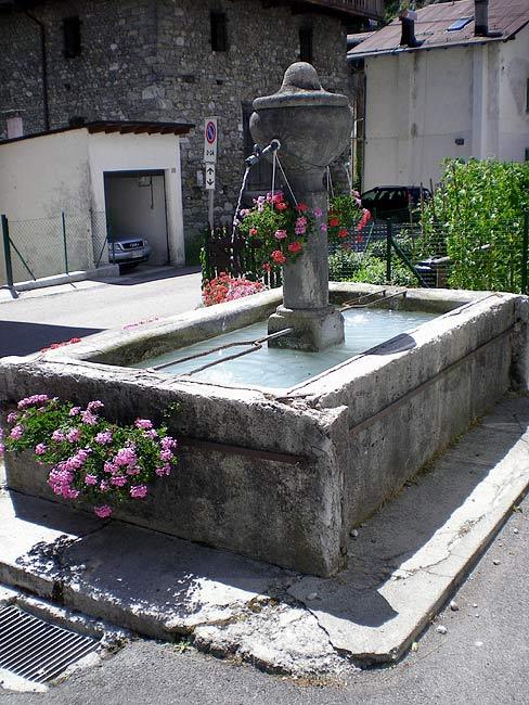 La fontana di prou e la nostra piccola parte di impegno for Inquilino significato