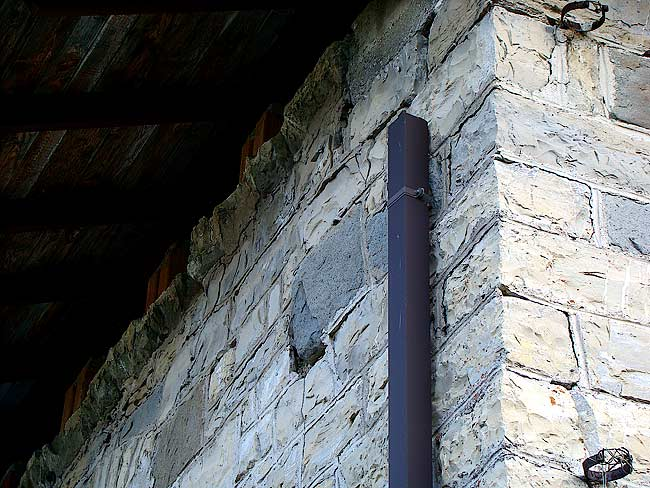 003-crepe sulla ex caserma di Soracrepa facciata ovest