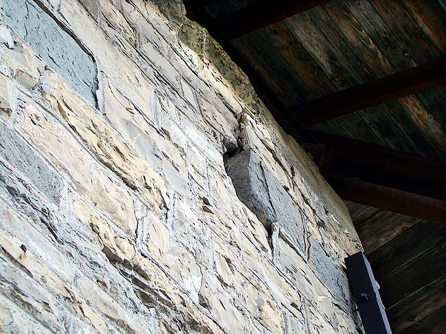 007-crepe sulla ex caserma di Soracrepa facciata ovest