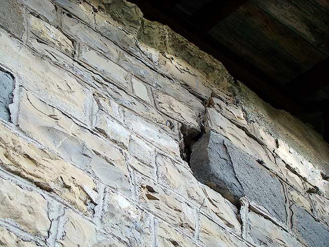008-crepe sulla ex caserma di Soracrepa facciata ovest