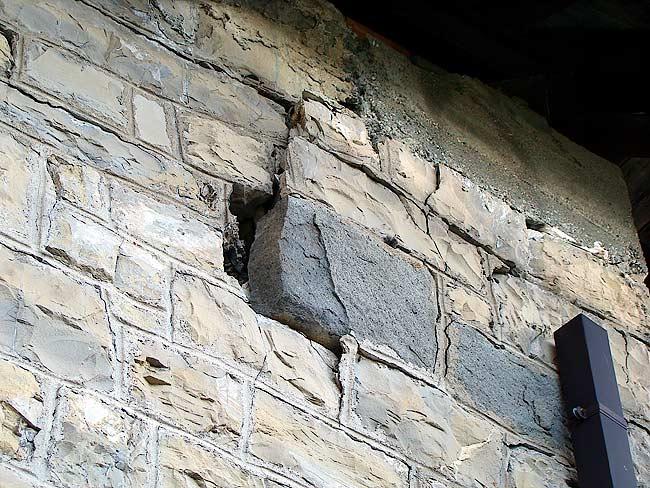 010-crepe sulla ex caserma di Soracrepa facciata ovest