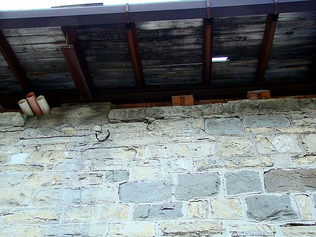 013-crepe sulla ex caserma di Soracrepa facciata ovest