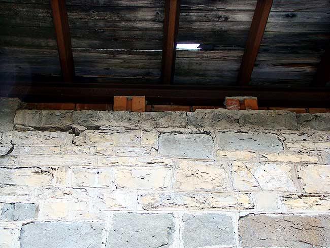 014-crepe sulla ex caserma di Soracrepa facciata ovest