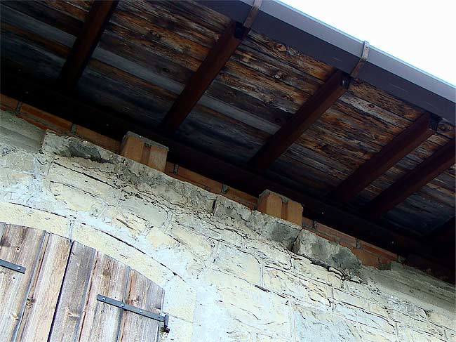 015-crepe sulla ex caserma di Soracrepa facciata ovest