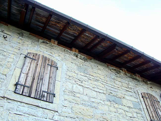 016-crepe sulla ex caserma di Soracrepa facciata ovest