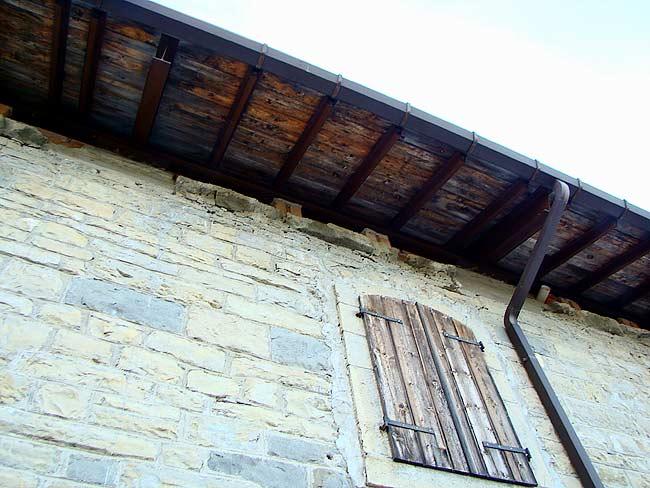 018-crepe sulla ex caserma di Soracrepa facciata ovest