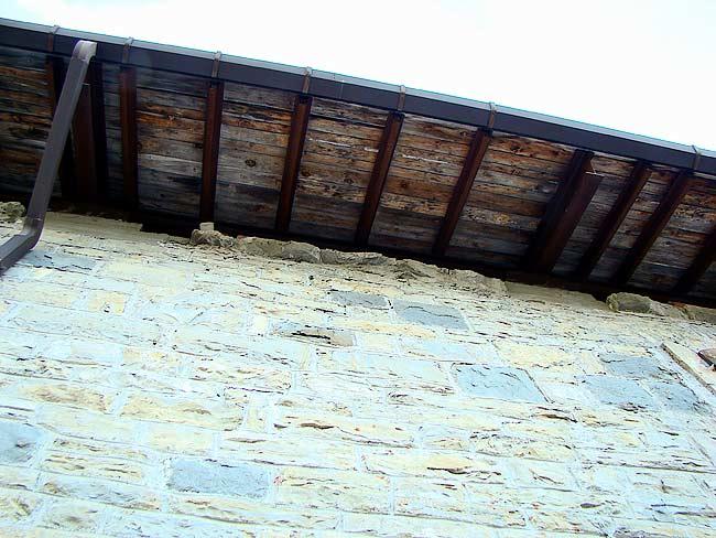 019-crepe sulla ex caserma di Soracrepa facciata ovest