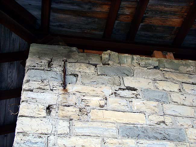 021-crepe sulla ex caserma di Soracrepa facciata nord ovest