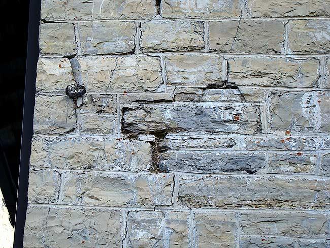 025-crepe sulla ex caserma di Soracrepa facciata sud