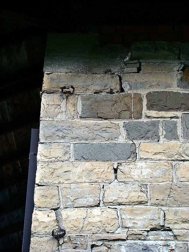 027-crepe sulla ex caserma di Soracrepa facciata ovest