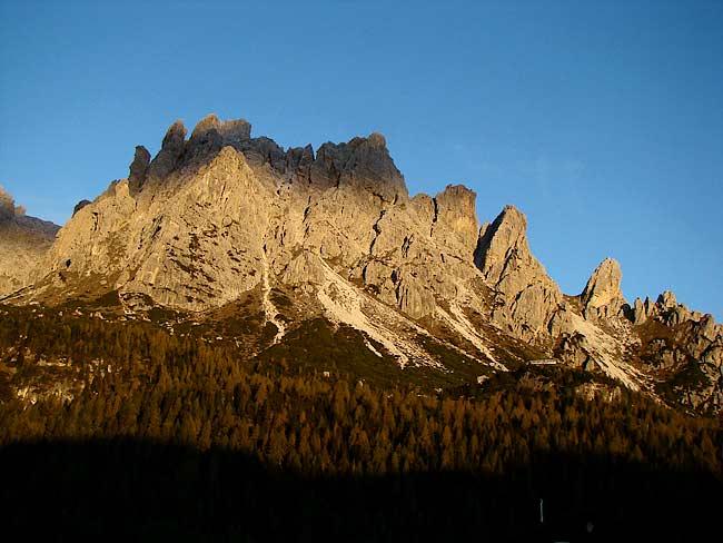 il Monte Ciarìdo (Ciareido) con le sue torri dal bivio di Soracrepa - Pian dei Buoi - Lozzo di Cadore