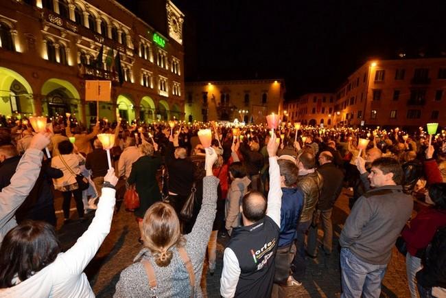 """fiaccolata e manifestazionne """"Salviamo la Provincia di Belluno"""": 24-ottobre-2012"""
