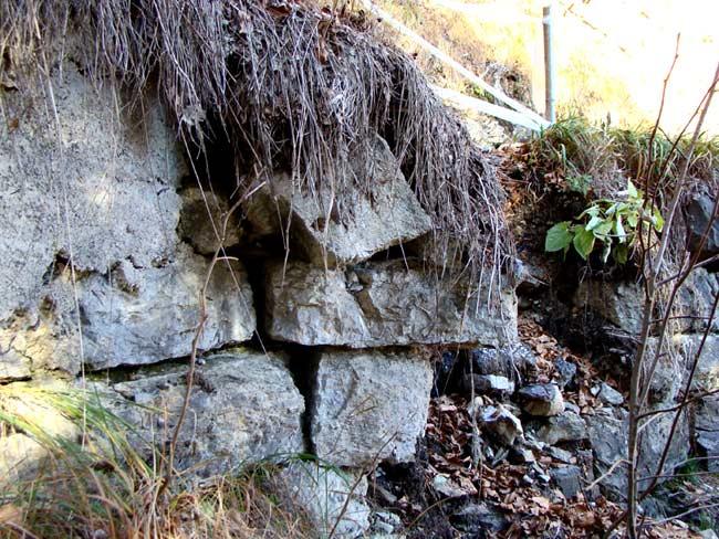 cedimento muro su strada del genio nei pressi di Tamarì - 005 (15 nov 2012)
