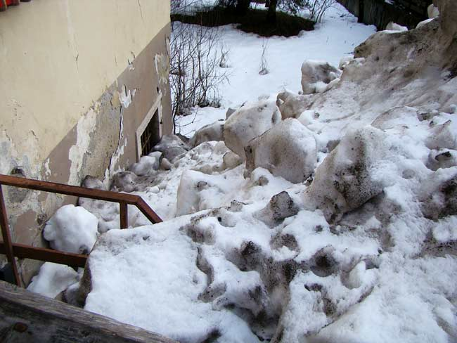 """discarica di neve """"pubblica"""" a Lozzo di Cadore (003)"""