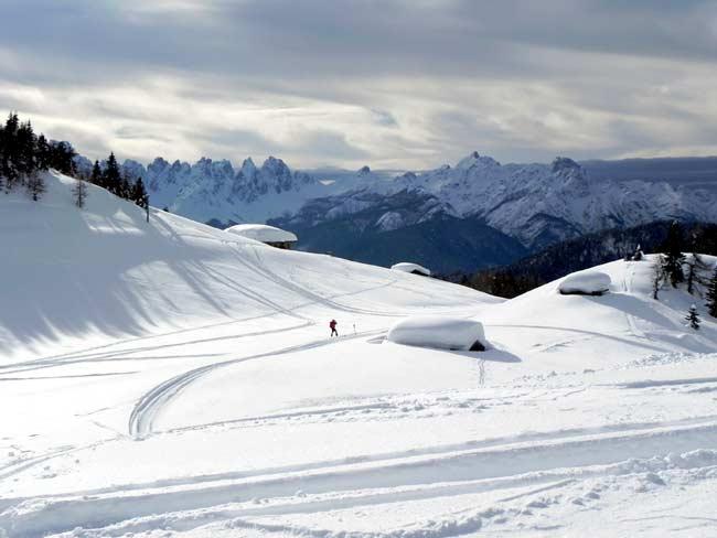 Pian dei Buoi - Palù Gran - Panorama verso gli Spalti di Toro, Cima dei Preti e Duranno (foto Eugenio Calligaro - 15 feb. 2014)