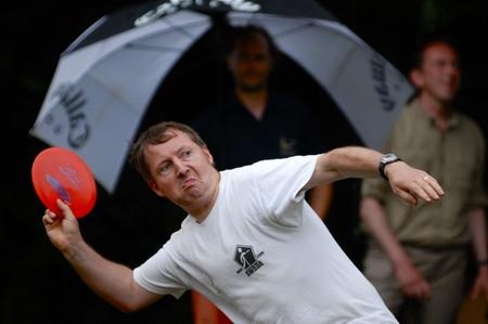 come-lanciare-bene-un-frisbee