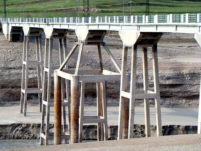 Ponte di Vallesella sul lago Centro Cadore