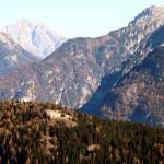Il Col Vidal con in evidenza il Forte Alto (Caserma di Vidal Alto)