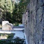 Diversamente dalla maggior parte degli altri edifici costruiti in pietra, la Villa è stata ottenuta con getto di calcestruzzo