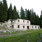 Il lato sud della Caserma liberato dalla vegetazione