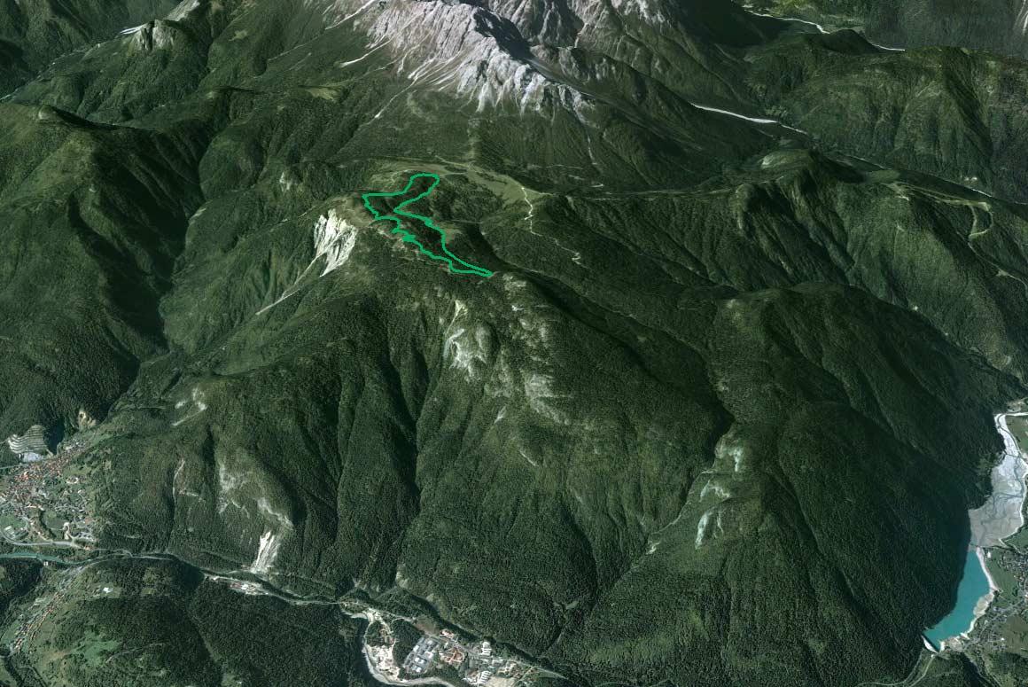 Il Parco della Memoria in 3D (da Google Earth): a valle, da Lozzo ad Auronzo del quale si nota il lago