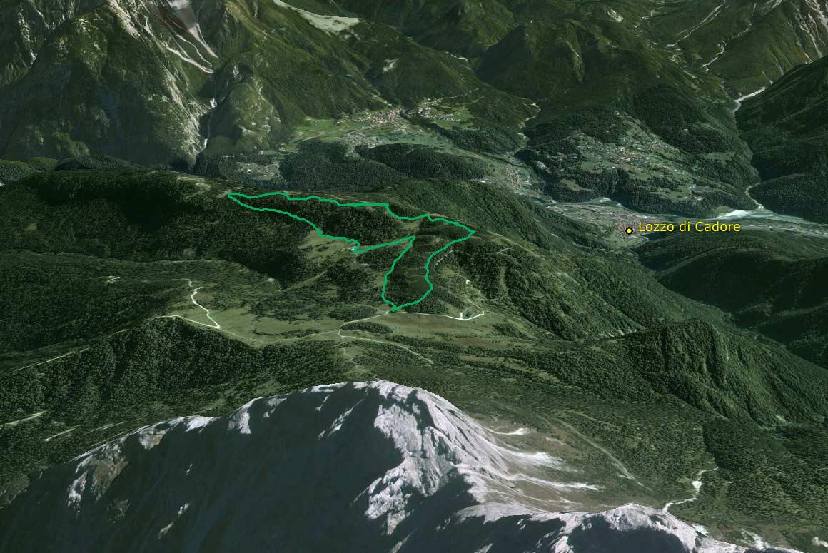 Il Parco della Memoria in 3D (da Google Earth): l'altopiano di Pian dei Buoi e la dorsale dei Colli che da Soracrepa giunge fino al Col Vidal ripresi da nord ovest