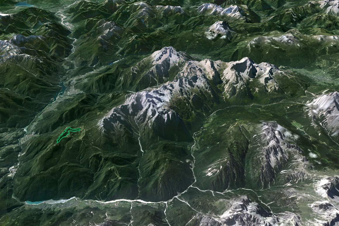 Il PdM in 3D (da Google Earth): la Val d'Ansiei in tutta la sua lunghezza confluisce nella Valle del Piave, che si spinge fin oltre Longarone, oltre il quale si osserva il lago di Santa Croce