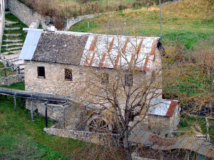 Il mulino Calligaro ripreso da Revìs.