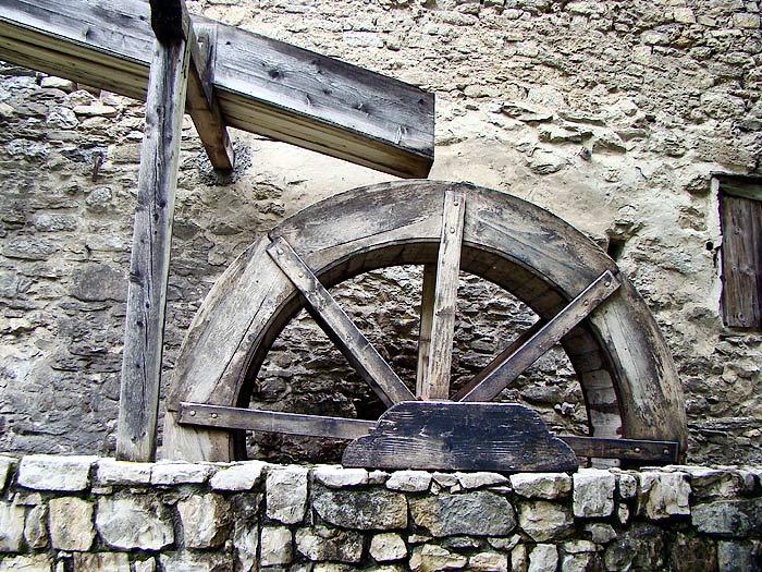 Un particolare della ruota idraulica.