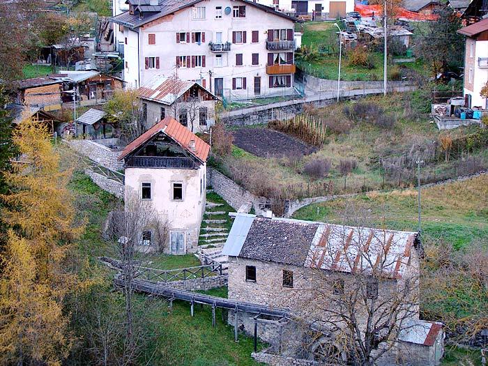 La centralina di Leo è il primo degli utilizzatori dell'area denominata Roggia dei Mulini.