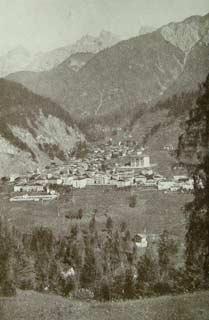 Lozzo: panorama generale, la Val Longiarin e le Marmarole (Foto Gerardini)
