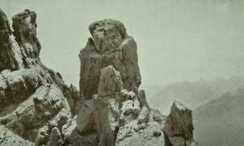 Il Pupo o Torre di Lozzo visto dal Ciastelin - Nello sfondo le<br />  Creste del Miaron e il Cridola (Foto Gerardini)